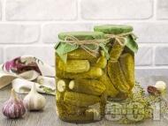 Мариновани кисели краставички корнишони с лук, чесън и синапено семе (зимнина)